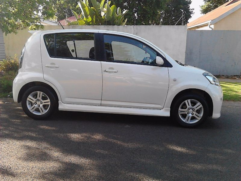 used daihatsu sirion 1 3 for sale in gauteng id 1672858. Black Bedroom Furniture Sets. Home Design Ideas