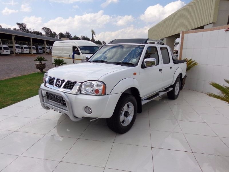 used nissan hardbody np300 4x4 double cab bakkie for sale in gauteng id 1688667. Black Bedroom Furniture Sets. Home Design Ideas