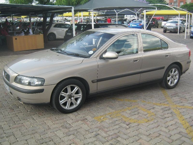used volvo s60 2 4 d5 a t for sale in gauteng id 1696492. Black Bedroom Furniture Sets. Home Design Ideas