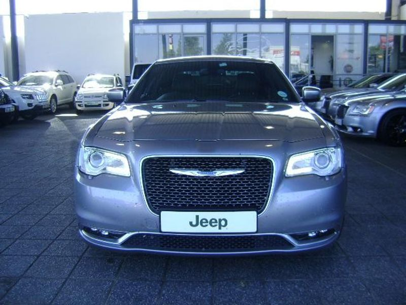 used chrysler 300c lux a t for sale in gauteng id 1696542. Black Bedroom Furniture Sets. Home Design Ideas