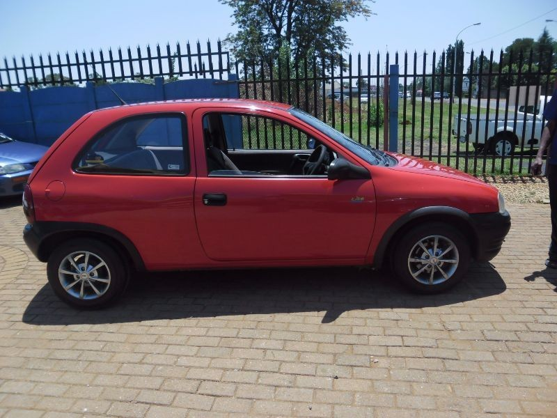 used opel corsa lite for sale in gauteng id 1698344. Black Bedroom Furniture Sets. Home Design Ideas