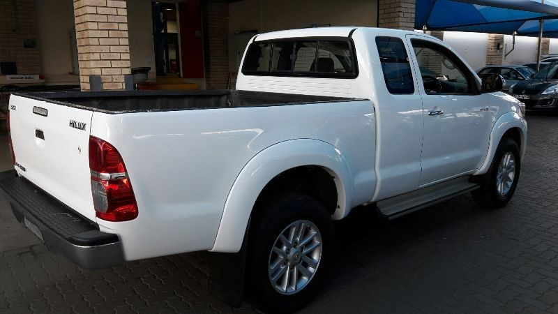 used toyota hilux 3 0d4d raider xtra cab manual 4x2 for sale in gauteng id 1700233. Black Bedroom Furniture Sets. Home Design Ideas
