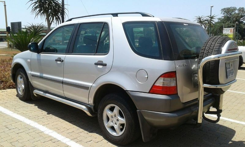 Used mercedes benz m class ml320 a t for sale in for 1999 mercedes benz m class ml320