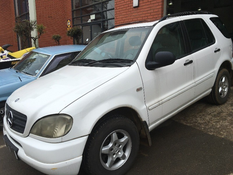 Used mercedes benz m class ml320 at sunroof 7 seater for Mercedes benz 7 seater for sale