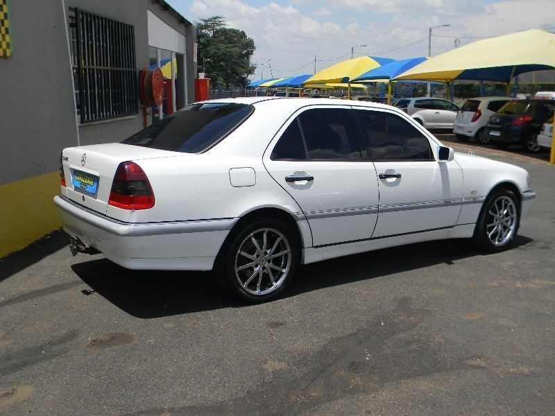 Used mercedes benz c class c 240 elegance a t for sale in for Mercedes benz c class 1999 for sale