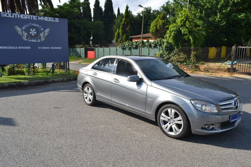 Used mercedes benz c class c300 avantgarde a t for sale in for Mercedes benz c class 2010 for sale