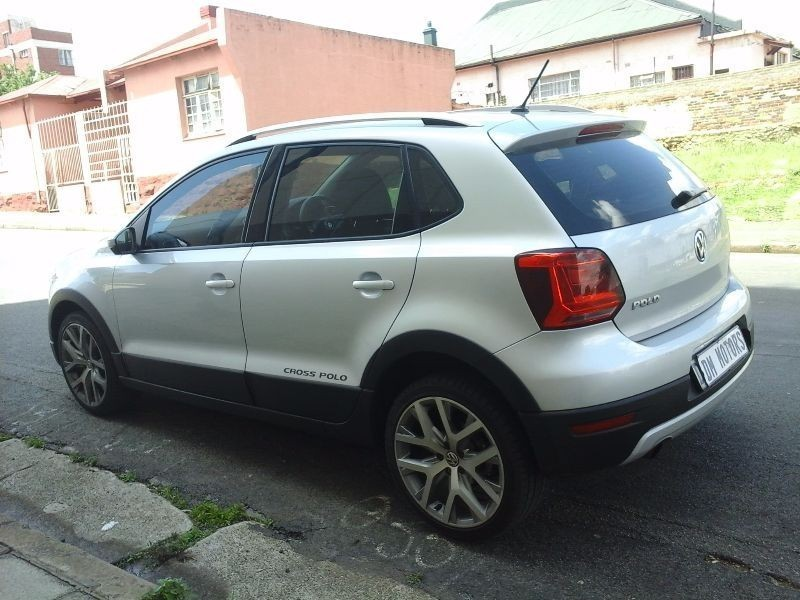 used volkswagen polo cross 1 2 tsi for sale in gauteng id 1730064. Black Bedroom Furniture Sets. Home Design Ideas