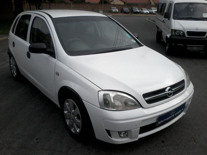 used opel corsa 140i for sale in gauteng id 1733693. Black Bedroom Furniture Sets. Home Design Ideas