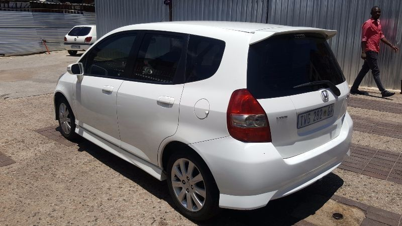 used honda jazz 1 5 executive for sale in gauteng id 1743694. Black Bedroom Furniture Sets. Home Design Ideas