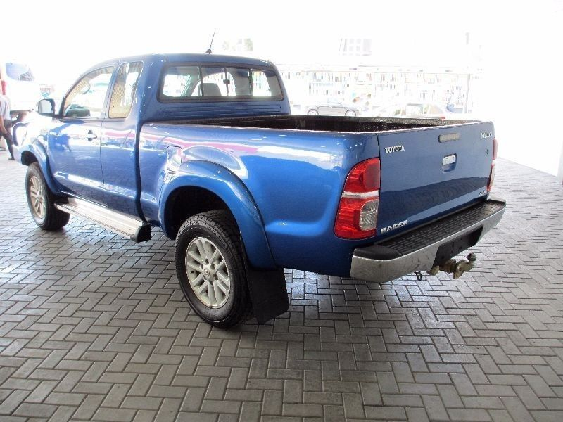 Used Toyota Hilux 3 0d 4d Raider Xtra Cab 4x4 P U S C For