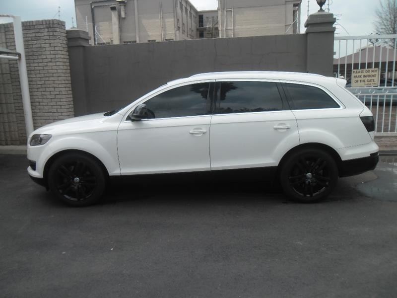 used audi q7 4 2 fsi v8 quattro tip for sale in gauteng id 1750375. Black Bedroom Furniture Sets. Home Design Ideas