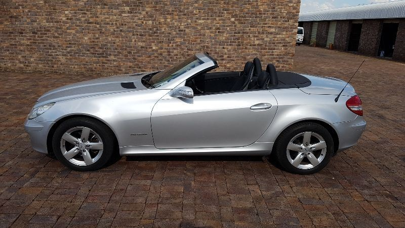 2005 mercedes benz slk 200 review for How much does a mercedes benz silver lightning cost