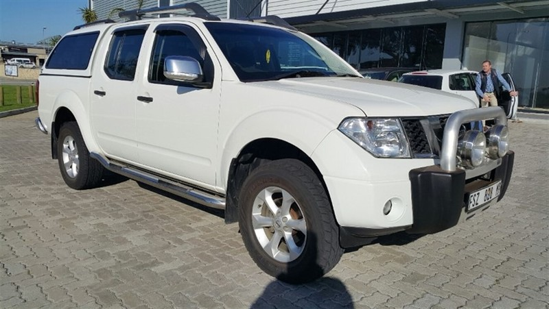 used nissan navara 4 0 v6 4x4 p u d c for sale in eastern cape id 1753397. Black Bedroom Furniture Sets. Home Design Ideas