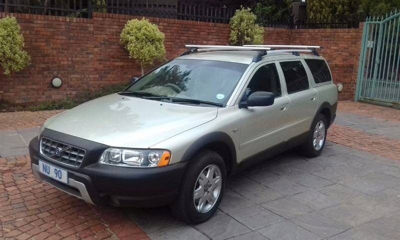 used volvo xc70 a t for sale in gauteng id 1764929. Black Bedroom Furniture Sets. Home Design Ideas