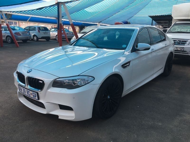 used bmw m5 f10 for sale in gauteng id 1768761. Black Bedroom Furniture Sets. Home Design Ideas