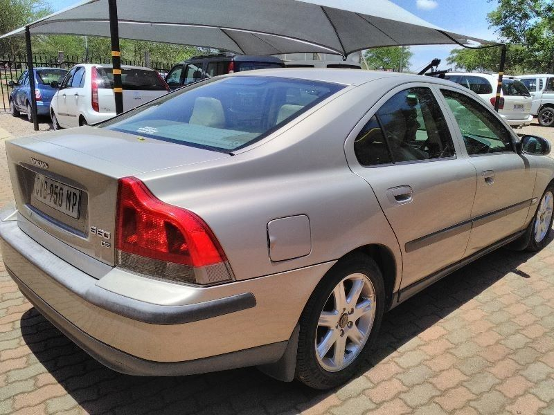 used volvo s60 2 4 d5 a t for sale in gauteng id 1773271. Black Bedroom Furniture Sets. Home Design Ideas