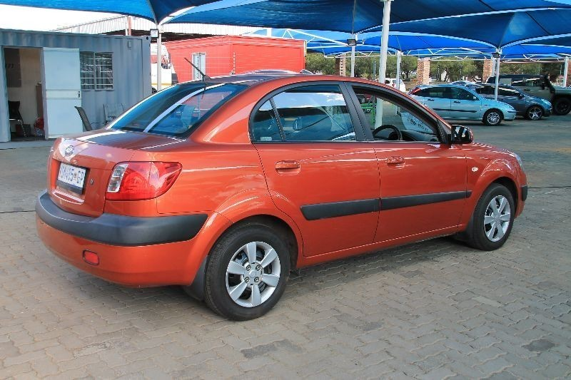used kia rio 1 4 sedan automatic for sale in gauteng. Black Bedroom Furniture Sets. Home Design Ideas