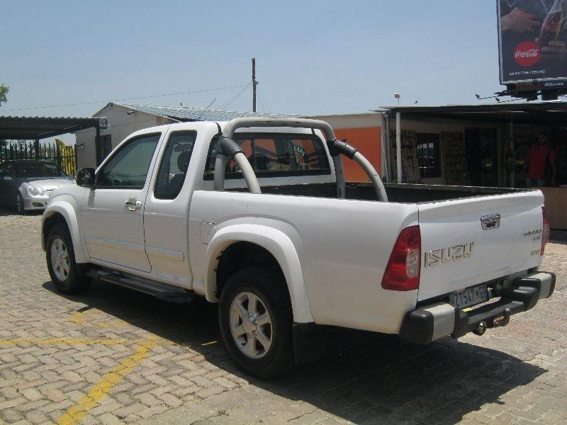 Used Isuzu Kb Series 300 D Teq Lx E Cab Bakkie For Sale In