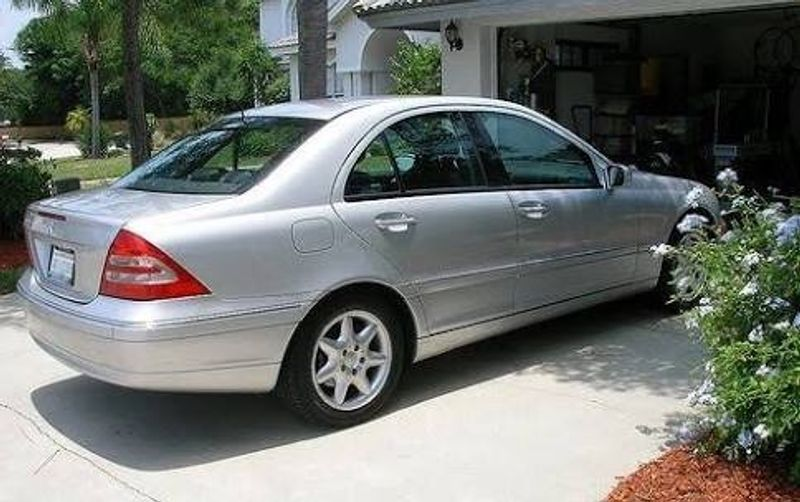 Used mercedes benz c class c240 auto one owner low kms for 2001 mercedes benz c class c240