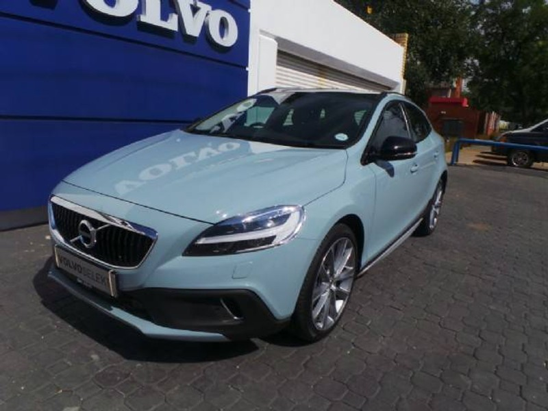used volvo v40 cc d3 inscription geartronic for sale in gauteng id 1794138. Black Bedroom Furniture Sets. Home Design Ideas