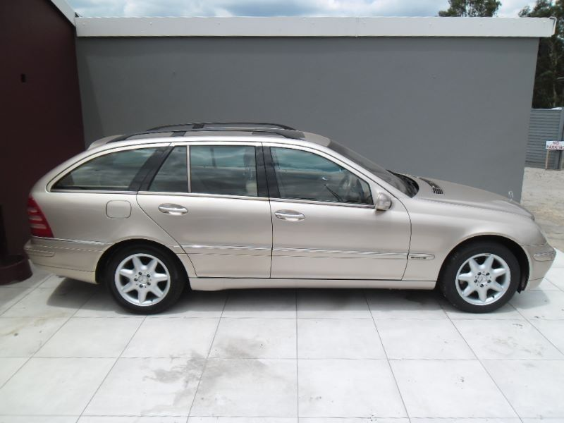 Used Mercedes Benz C Class C240 Estate Avantgarde A T For