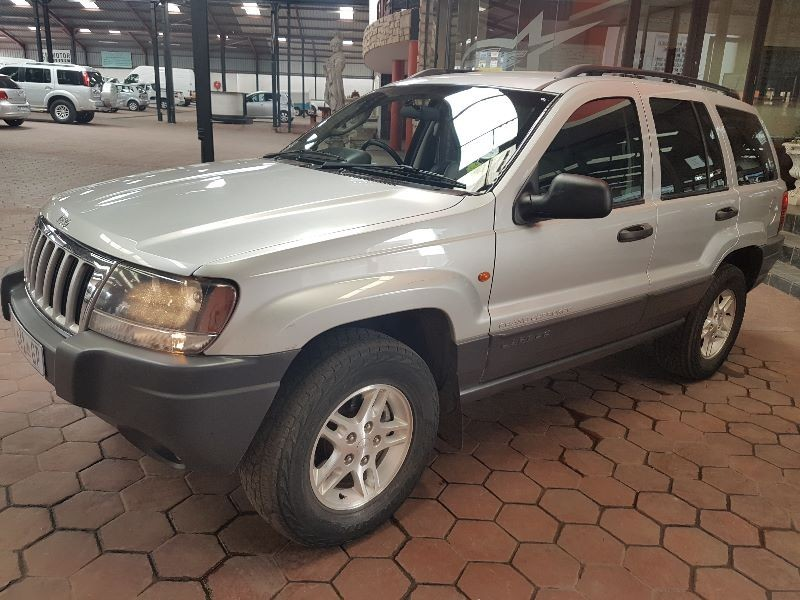 used jeep grand cherokee 4 7 v8 laredo for sale in gauteng id 1823642. Black Bedroom Furniture Sets. Home Design Ideas