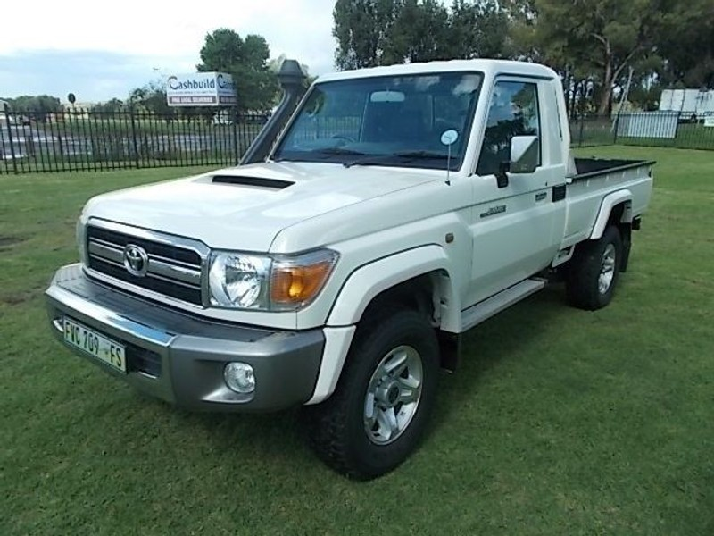 used toyota land cruiser 70 4 5d single cab bakkie for sale in free