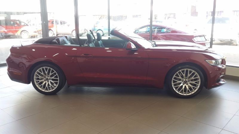 used ford mustang 2 3 ecoboost convertible auto for sale in gauteng id 1827939. Black Bedroom Furniture Sets. Home Design Ideas