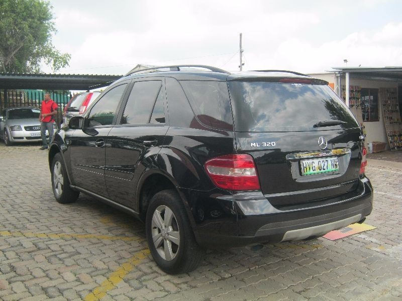 used mercedes benz m class ml 320 cdi a t for sale in gauteng id 1829513. Black Bedroom Furniture Sets. Home Design Ideas