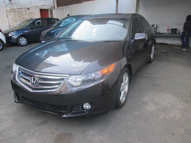 Used honda accord auto for sale in gauteng for Honda accord 2011 for sale