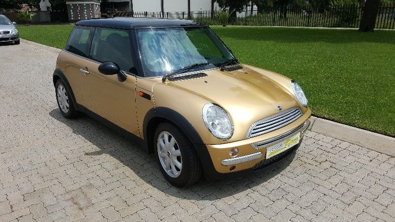 used mini cooper for sale in gauteng id 1835960. Black Bedroom Furniture Sets. Home Design Ideas
