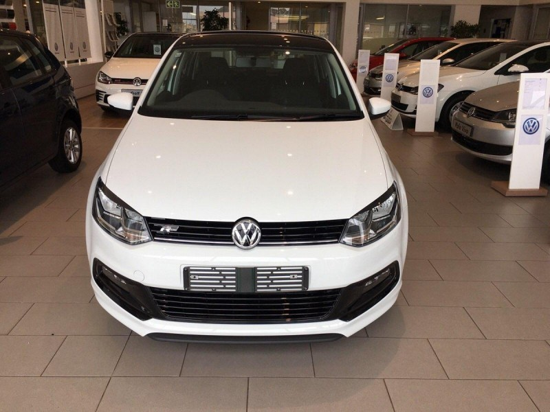used volkswagen polo gp 1 0 tsi r line dsg for sale in gauteng id 1837908. Black Bedroom Furniture Sets. Home Design Ideas