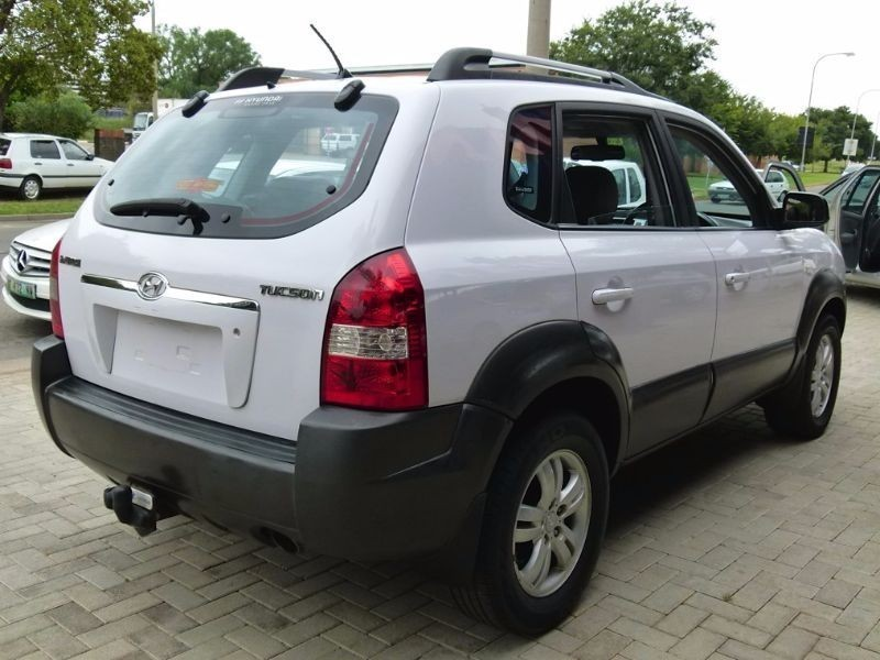 used hyundai tucson 2 0 gls for sale in north west. Black Bedroom Furniture Sets. Home Design Ideas
