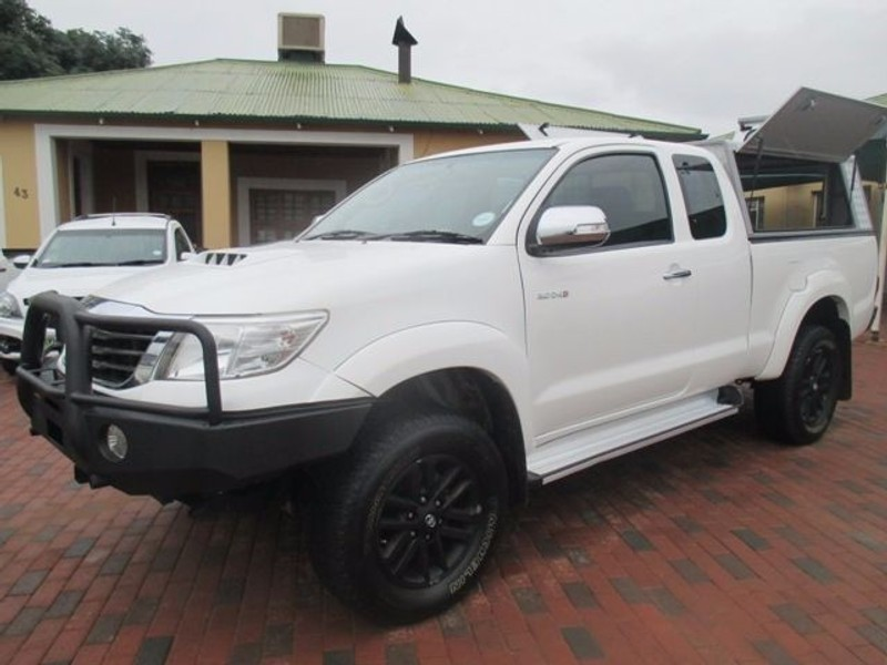 used toyota hilux raider xtra cab 4x4 p u s c for sale in north west province. Black Bedroom Furniture Sets. Home Design Ideas