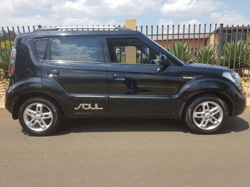 used kia soul 1 6 high for sale in gauteng id 1853403. Black Bedroom Furniture Sets. Home Design Ideas