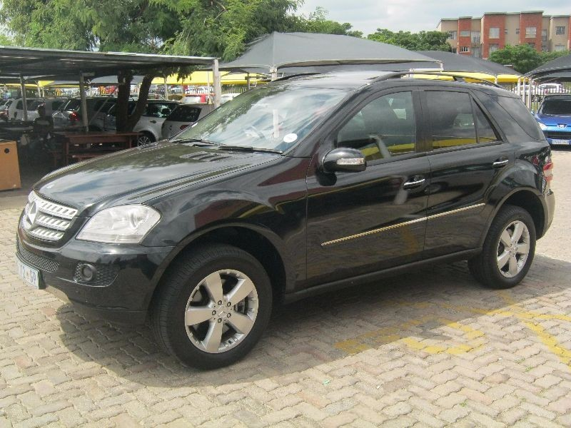 used mercedes benz m class ml 500 a t for sale in gauteng id 1854427. Black Bedroom Furniture Sets. Home Design Ideas