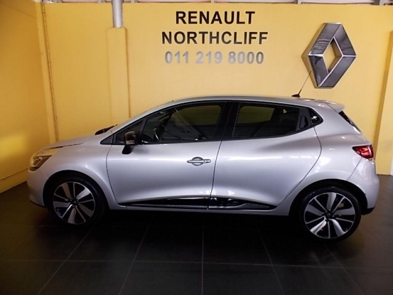 used renault clio iv 900 t dynamique 5 door 66kw for sale in gauteng id 1854632. Black Bedroom Furniture Sets. Home Design Ideas