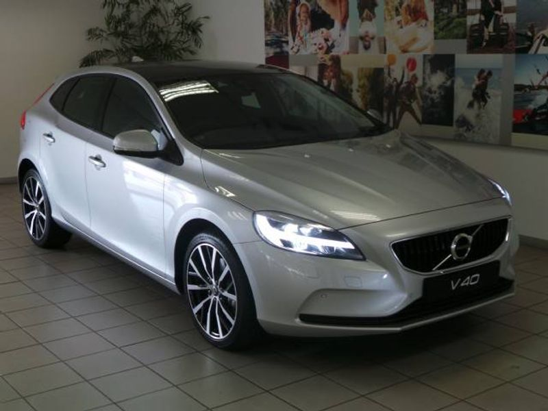 used volvo v40 d3 momentum geartronic for sale in gauteng id 1858486. Black Bedroom Furniture Sets. Home Design Ideas