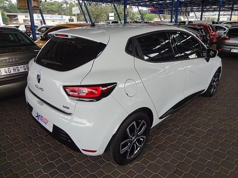 used renault clio iv 900 t dynamique 5 door 66kw for sale in gauteng id 1862011. Black Bedroom Furniture Sets. Home Design Ideas