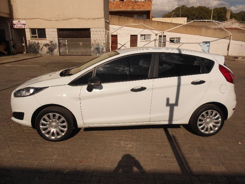 used ford fiesta 1 4 ambiente ford fiesta 2014 model for sale in gauteng id 1867432. Black Bedroom Furniture Sets. Home Design Ideas