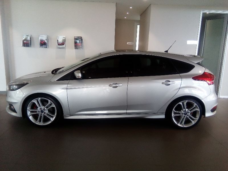 used ford focus st 3 for sale in gauteng id 1867872. Black Bedroom Furniture Sets. Home Design Ideas