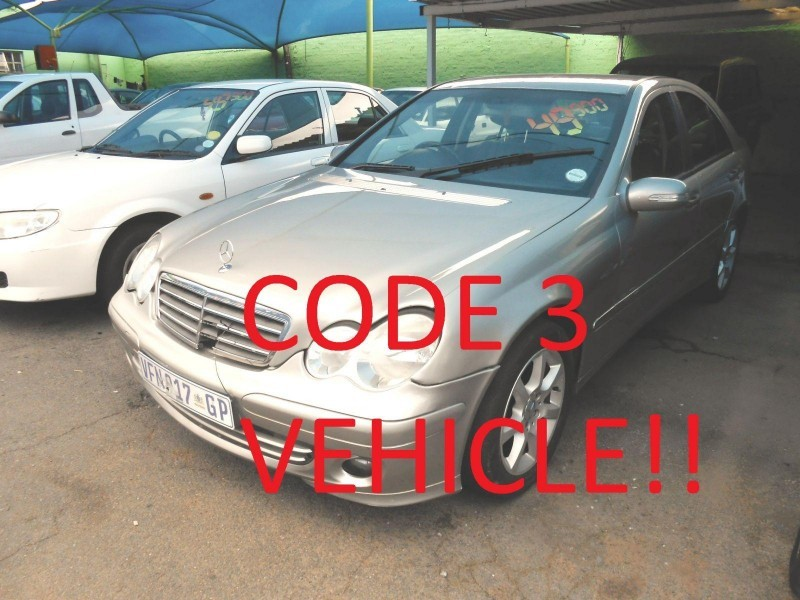Used mercedes benz c class c180 classic for sale in for 2006 mercedes benz c class for sale
