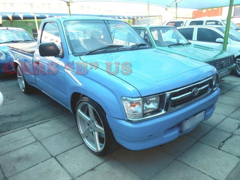 used toyota hilux 2000 p u s c for sale in gauteng id 1869605. Black Bedroom Furniture Sets. Home Design Ideas
