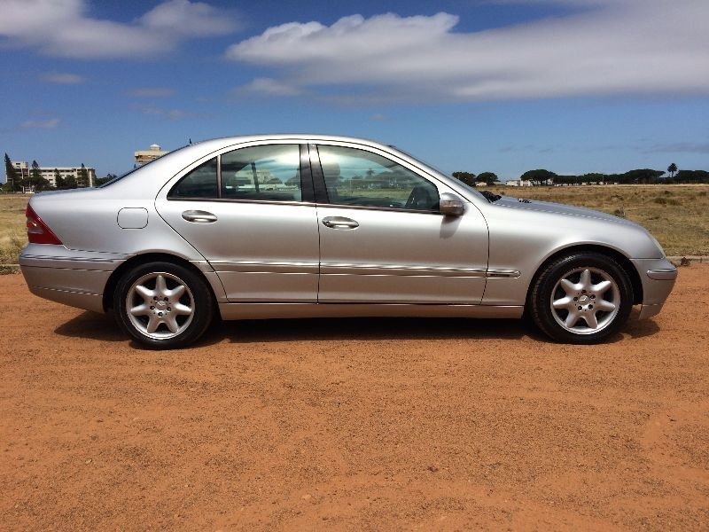 Used mercedes benz c class c240 elegance a t for sale in for Mercedes benz c class c240