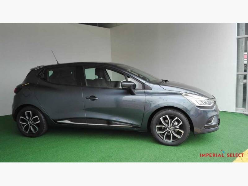 used renault clio iv 900 t dynamique 5 door 66kw for sale in gauteng id 1878432. Black Bedroom Furniture Sets. Home Design Ideas