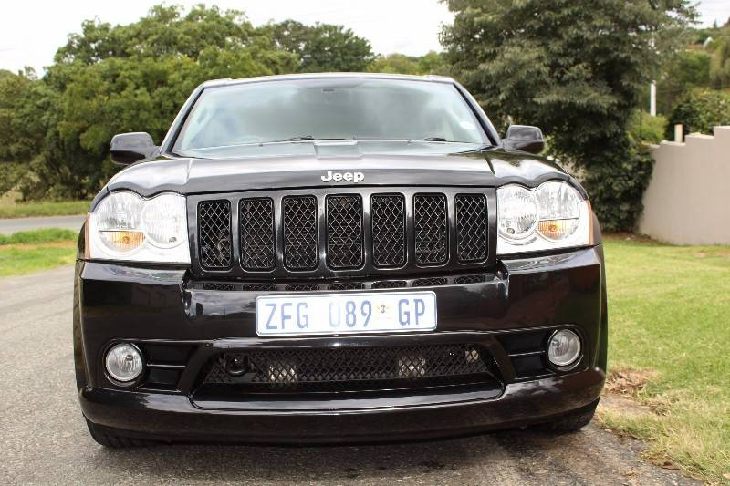 used jeep grand cherokee srt8 for sale in gauteng id 1880057. Black Bedroom Furniture Sets. Home Design Ideas