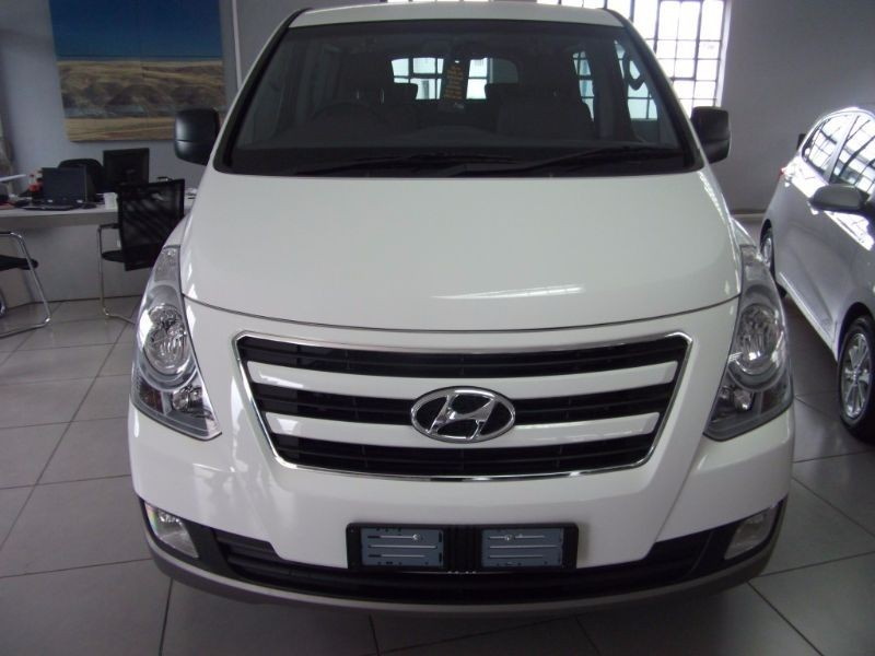 used hyundai h1 2 5 crdi automatic 9 seater bus facelift. Black Bedroom Furniture Sets. Home Design Ideas