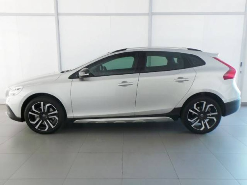 used volvo v40 cc d3 inscription geartronic for sale in western cape id 1888942. Black Bedroom Furniture Sets. Home Design Ideas