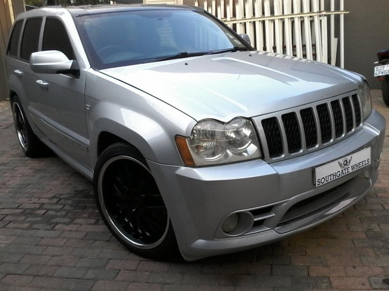 used jeep grand cherokee srt8 for sale in gauteng id 1894815. Black Bedroom Furniture Sets. Home Design Ideas