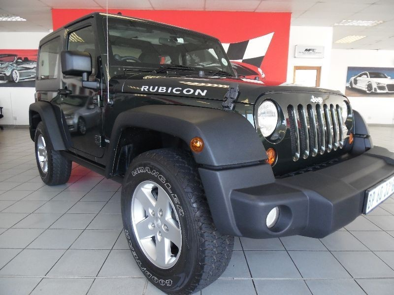 used jeep wrangler 2011 jeep wrangler rubicon 3 8l 2 door for sale for sale in western cape. Black Bedroom Furniture Sets. Home Design Ideas
